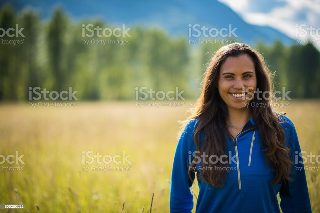 Portrait of a First Nations Canadian Woman - foto stock