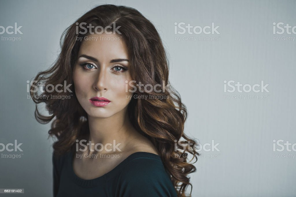 Portrait of a girl with curly hair 4955. 免版稅 stock photo