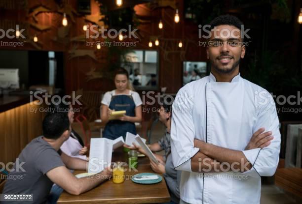 Portrait of a happy chef at a restaurant picture id960576272?b=1&k=6&m=960576272&s=612x612&h=ghi42ehhpuafbcbs dalardemlr7 eoeex14ktmlh6c=