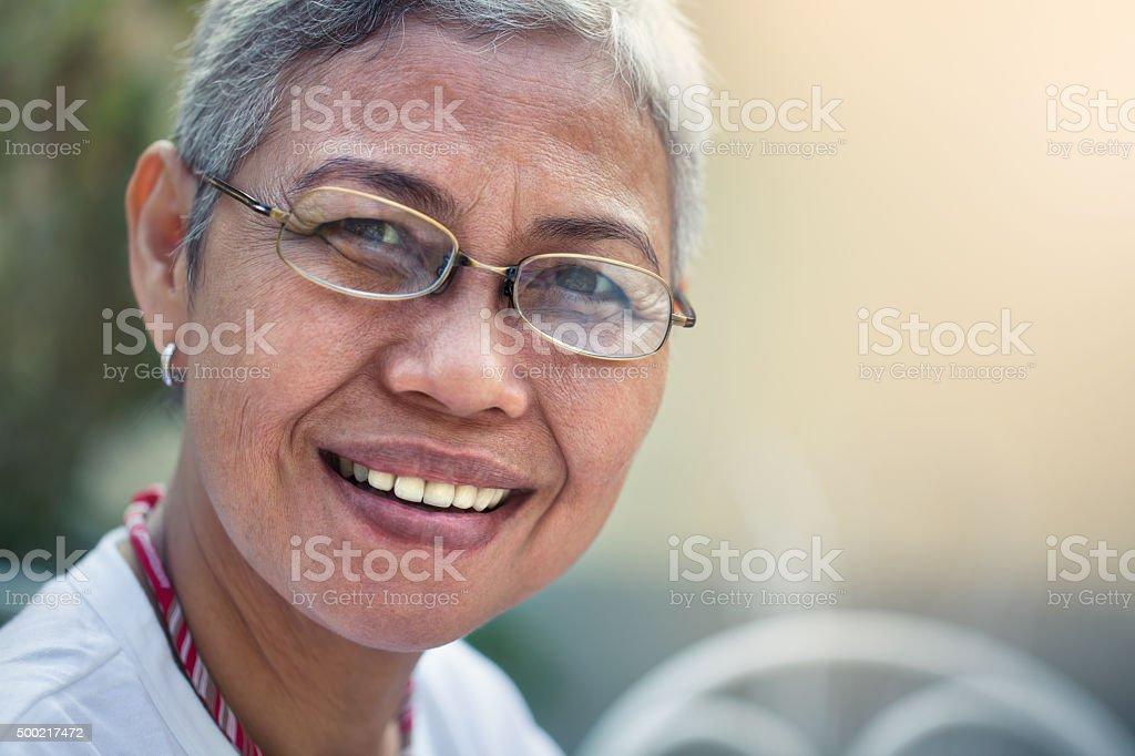 Portrait of a happy woman圖像檔