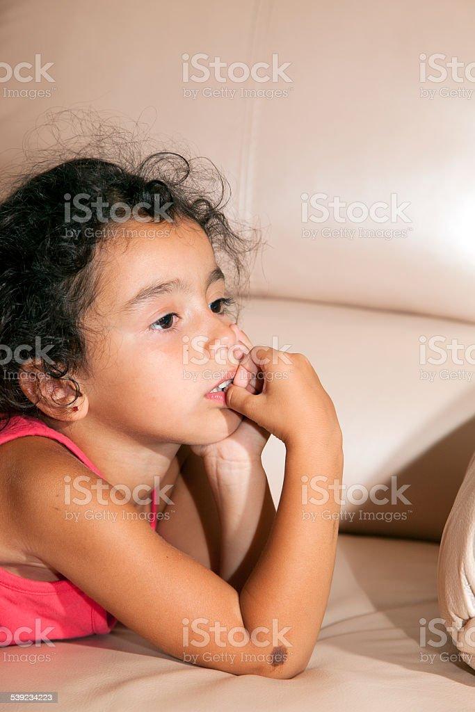 Retrato de una niña hispana. foto de stock libre de derechos