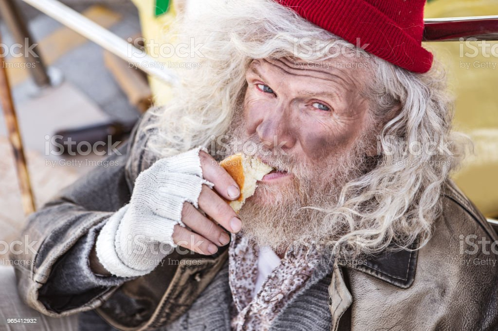 Portrait of a hungry homeless man zbiór zdjęć royalty-free