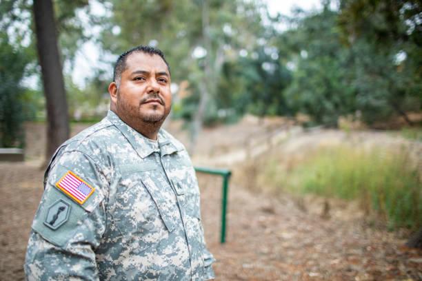 Porträt eines Latino-Veteranen – Foto