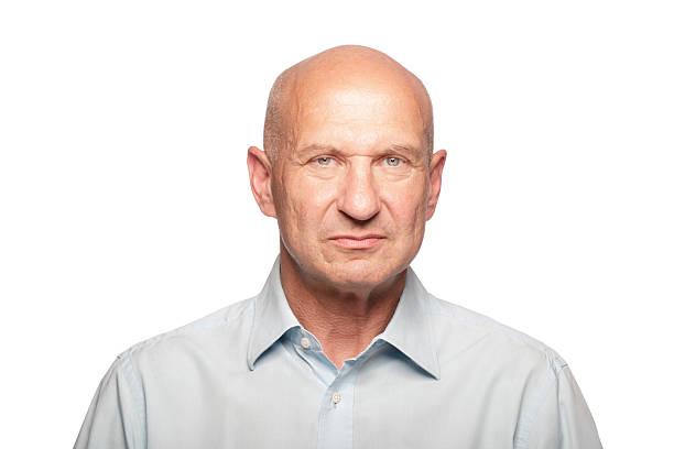 porträt eines mannes - einzelner senior stock-fotos und bilder