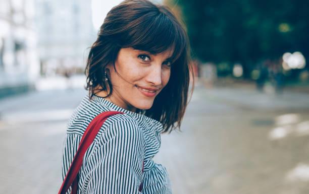 retrato de uma mulher de meia-idade - 35 39 anos - fotografias e filmes do acervo