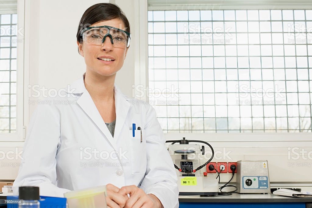 Retrato de um cientista foto de stock royalty-free