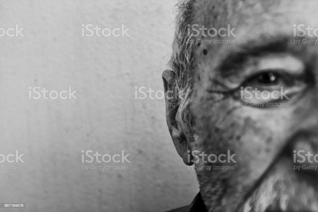 Portrait d'un homme senior, gros plan - Photo