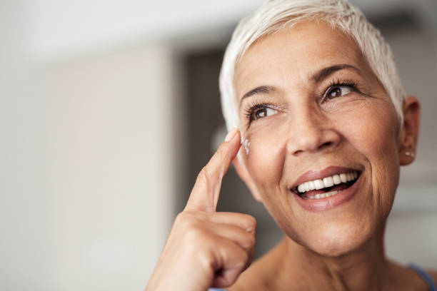 portrait of a senior woman - milan2099 stock photos and pictures