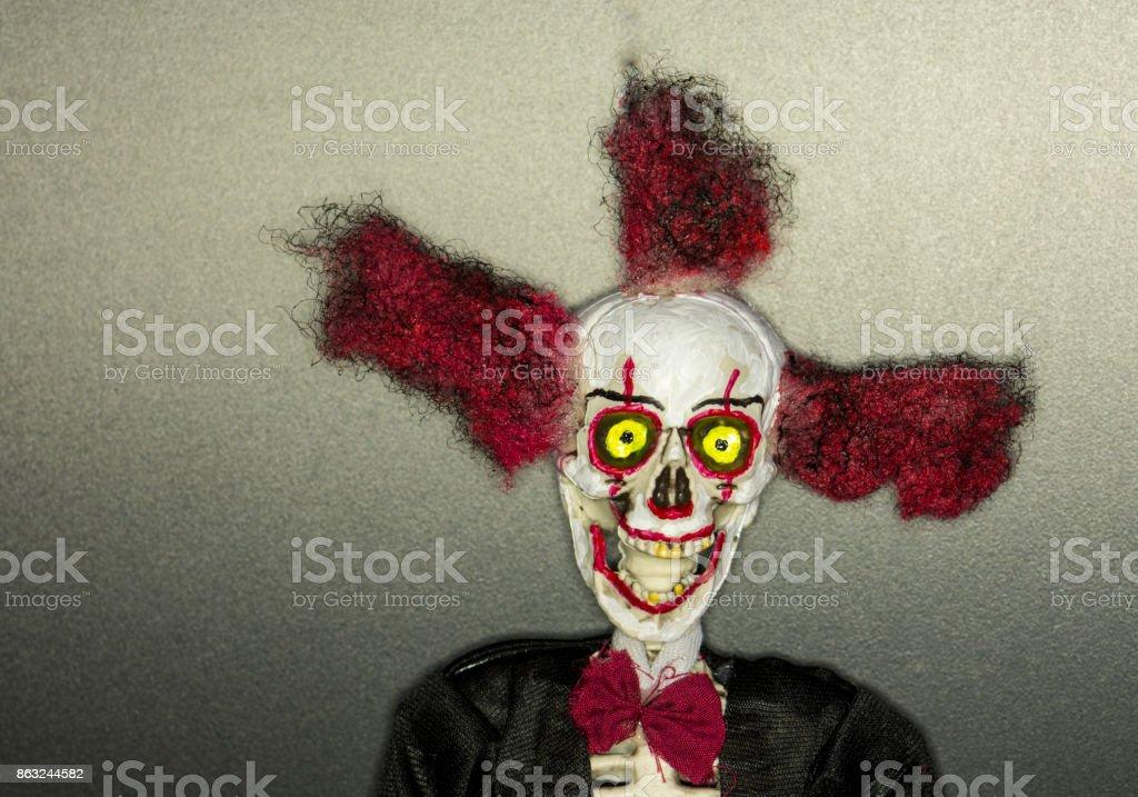 Portrat Von Einem Skelett Puppe Gemalt Als Gruselige Clown Stockfoto Und Mehr Bilder Von Angst Istock