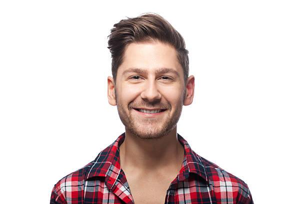 porträt einer lächelnden mann - mann bart freisteller stock-fotos und bilder