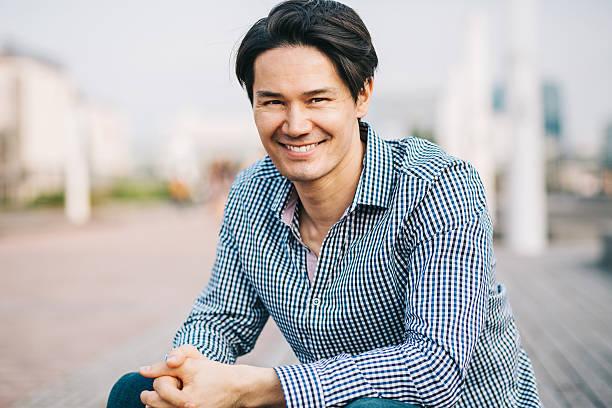 Retrato de un hombre sonriente  - foto de stock