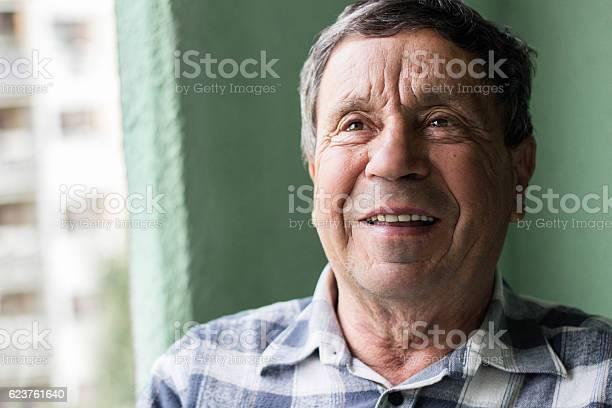Portrait of a smiling senior man picture id623761640?b=1&k=6&m=623761640&s=612x612&h=o7axtip8rcdyzcx c2v4 y48w zy yupeidctfnkq3y=