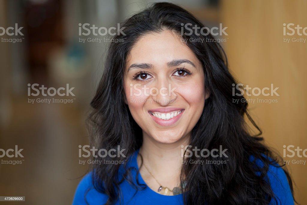 Porträt eines spanischen Frau Lächeln – Foto