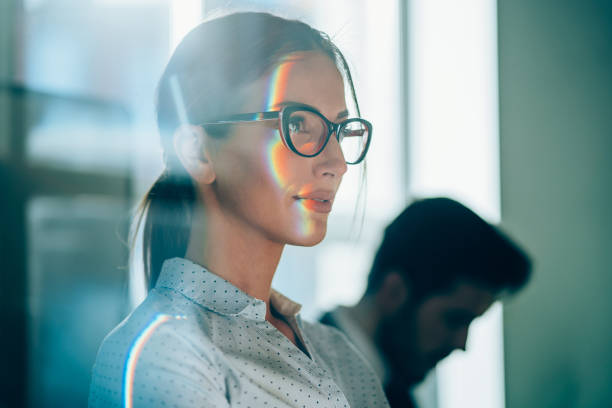 portrait of a successful businesswoman - business woman hologram imagens e fotografias de stock