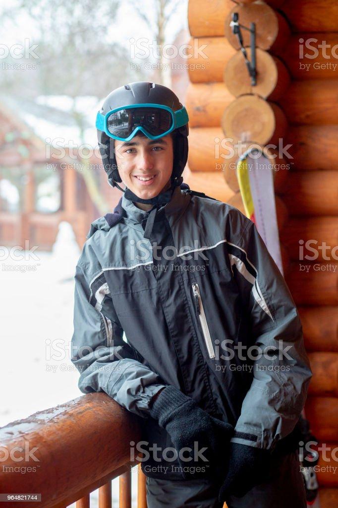 Retrato de um adolescente em Ski usar - Foto de stock de 14-15 Anos royalty-free