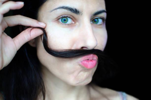 Behaarte Frauen - Bilder und Stockfotos - iStock
