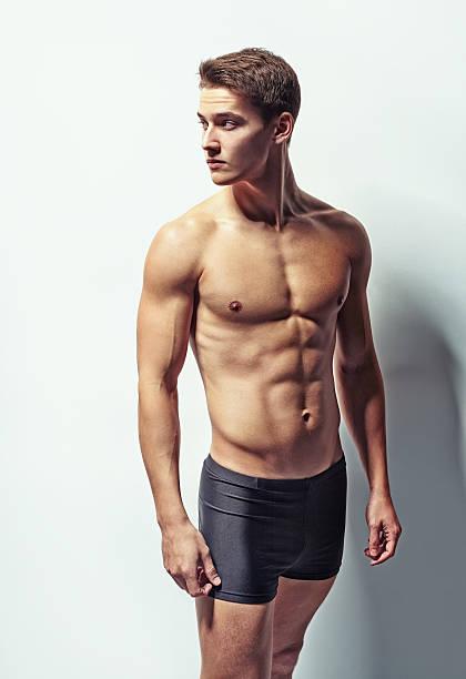 Najboljši goli moški fitnes modeli, fotografije, brezplačne slike - Istock-7006
