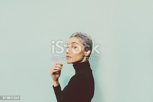 istock Portrait of a young woman 913641342
