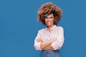istock Portrait of afro girl in eyeglasses. 995745132