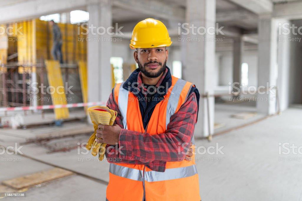 Porträt eines afroamerikanischen Bauarbeiters - Lizenzfrei Arbeiter Stock-Foto