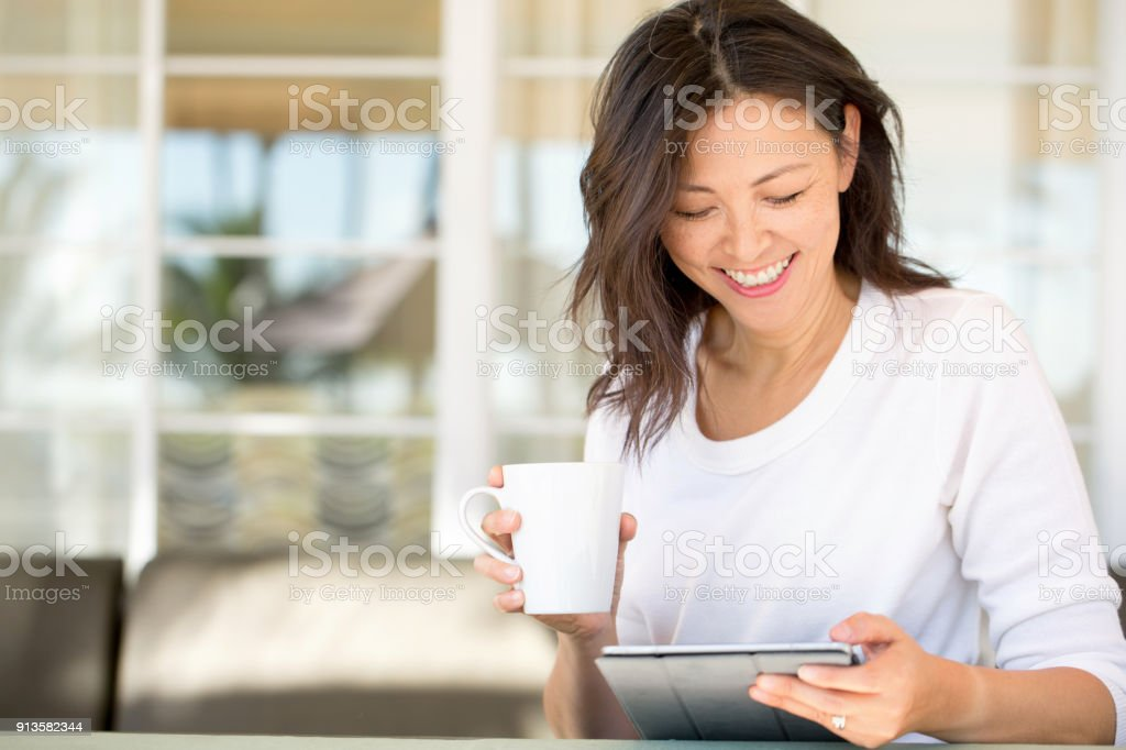 Portrait of an Asian woman smiling. foto stock royalty-free