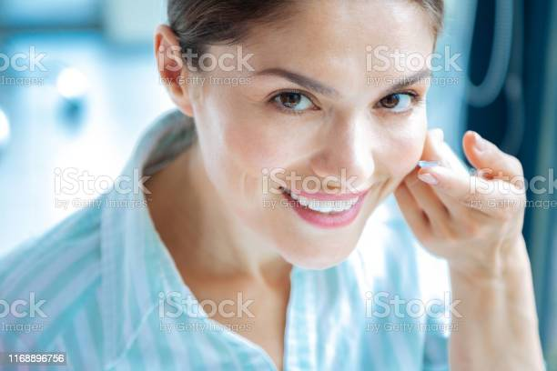 Portrait of an attractive positive beautiful woman picture id1168896756?b=1&k=6&m=1168896756&s=612x612&h=mr7jqgydkug34jxvdkga gj9hzubtvhbsf1he7zvy8u=