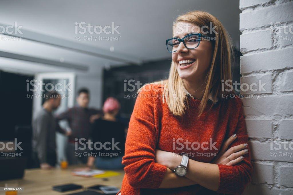 Porträt eines jungen Confidente Geschäftsfrau – Foto