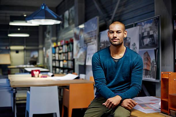 portrait of architect - 30 34 jahre stock-fotos und bilder