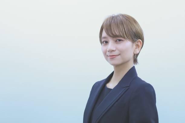 アジアのビジネスウーマンの肖像 - sales ストックフォトと画像