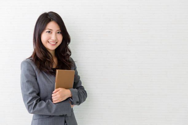 アジアのビジネスウーマンの肖像画 - 女性 ストックフォトと画像