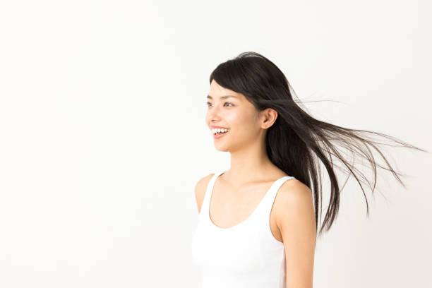 흰색 바탕에 매력적인 아시아 여자 아름다움 이미지의 초상화 - 검정 머리 뉴스 사진 이미지