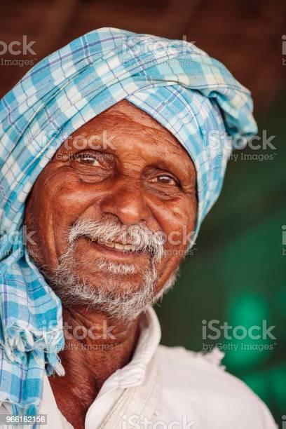 Porträtt Av Stranden Nötter Säljaren-foton och fler bilder på Aktiva pensionärer