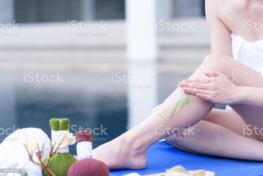 Portrait des beautiful people asiatique avec vue de près et bouchent avec massage des mains en salon spa. Concept beauté, santé, spa et relaxation. - Photo de Adulte libre de droits
