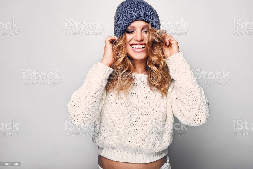 Retrato de mujer hermosa rubia - foto de stock