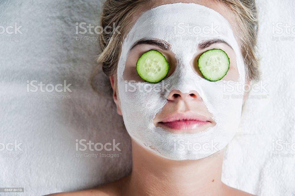 Porträt von wunderschönen spa-Mädchen. Schönheit und Gesundheit. – Foto