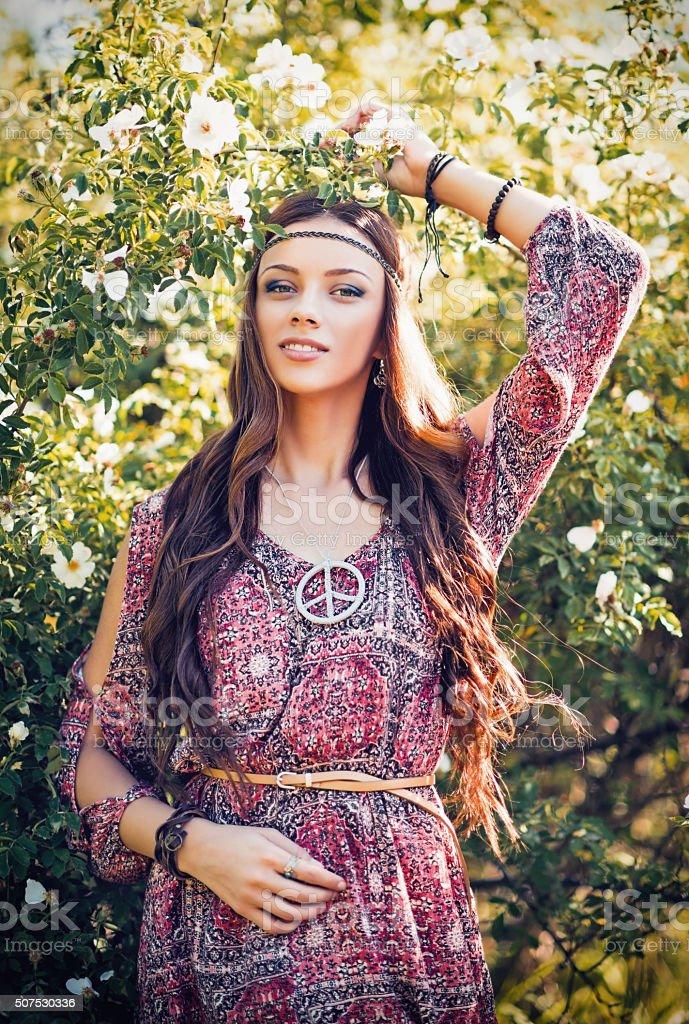 Hippie-Mädchen, die datieren