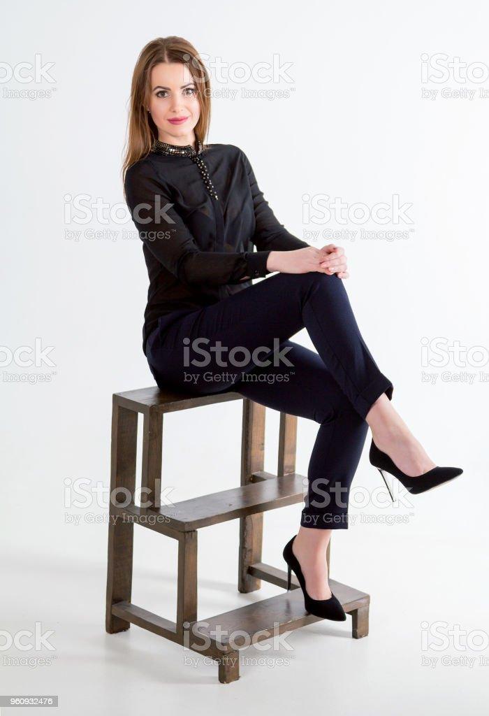Porträt von schöne junge lächelnde Brünette Frau - Lizenzfrei Atelier Stock-Foto