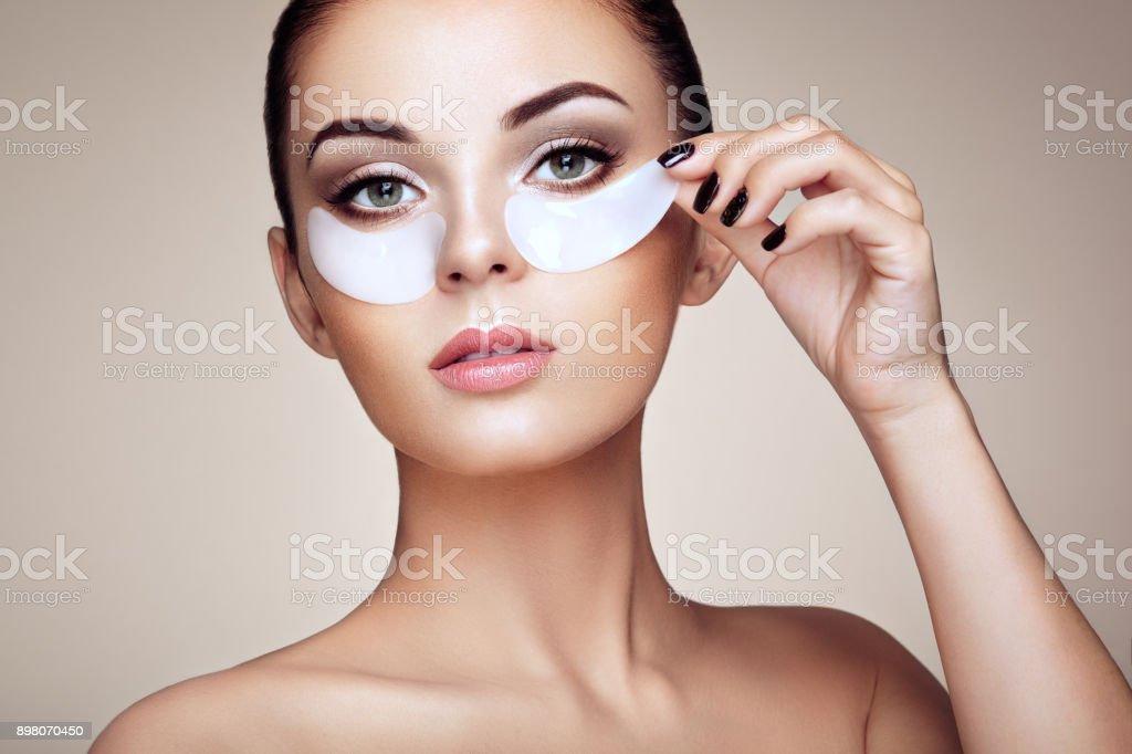 Portrait von Schönheit Frau mit Augenklappen – Foto