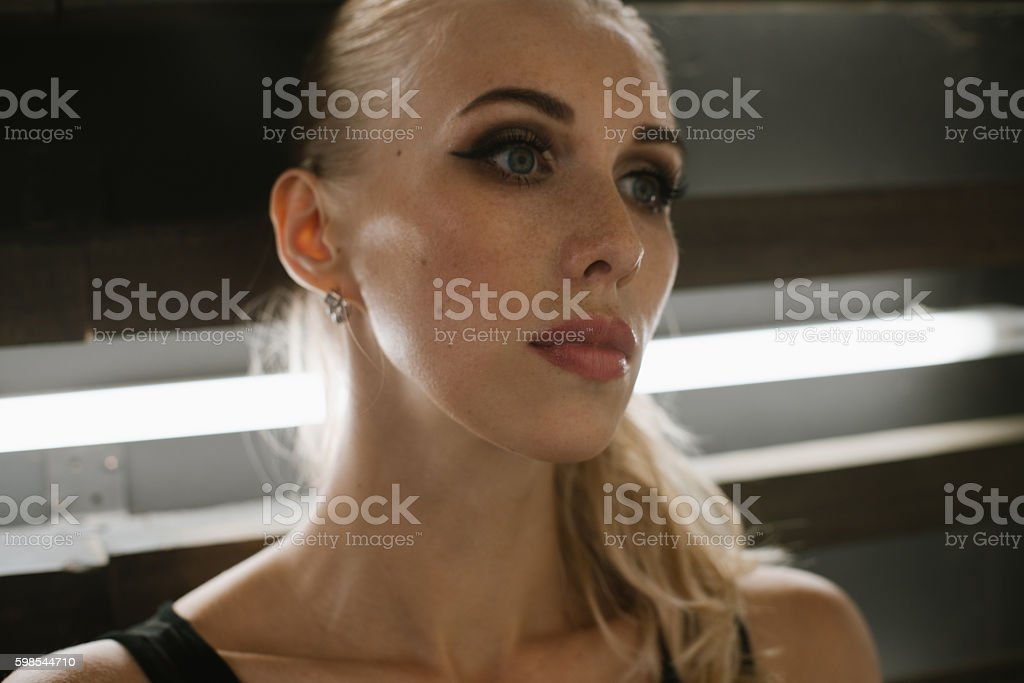 Portrait of blondes with makeup in the Studio close-up photo libre de droits