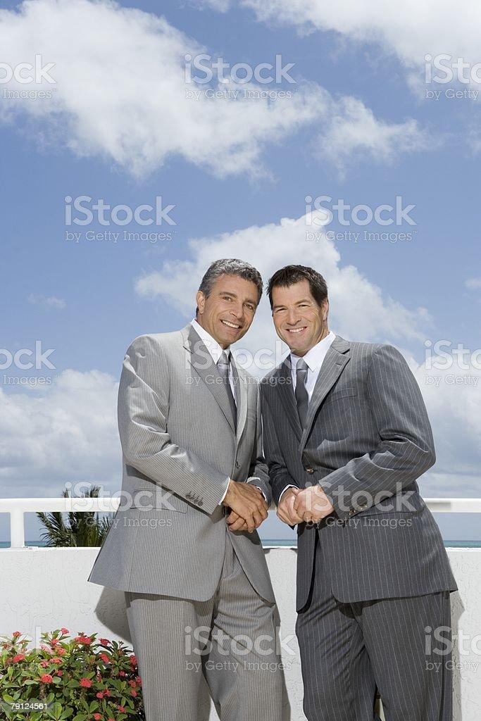 인물 bridegroom 및 best man royalty-free 스톡 사진