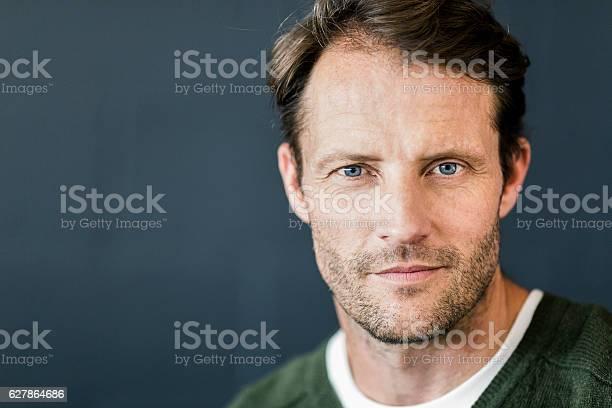 Portrait of confident businessman at office picture id627864686?b=1&k=6&m=627864686&s=612x612&h=gxjz7njxddasjijedeksvaxpo1yvqd8czec6pyjmvm8=