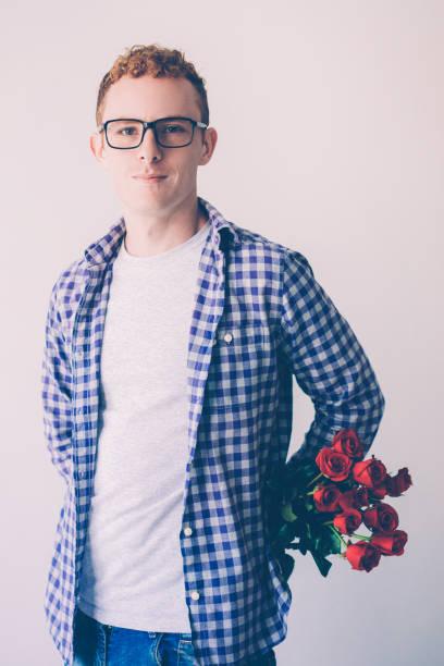 Portrait of confident young man holding rose bunch picture id1049291590?b=1&k=6&m=1049291590&s=612x612&w=0&h=maaxziccyj00hl4fimvgyz0u9fdgjiot493xremm728=