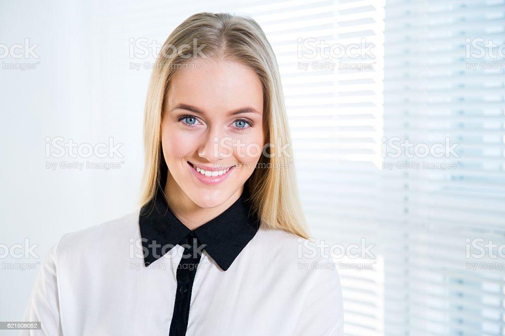 Porträt eines süßen Jungen business Frau Lizenzfreies stock-foto
