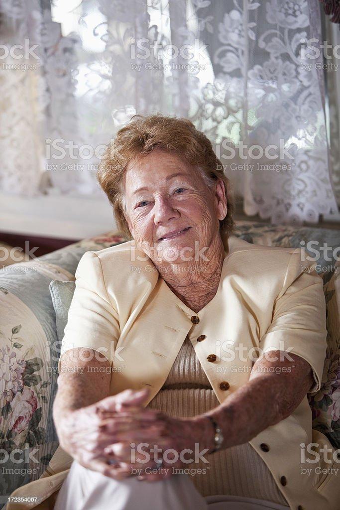 Retrato de mujer de edad avanzada foto de stock libre de derechos