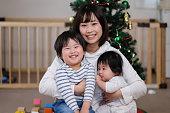 クリスマスに家族の肖像画