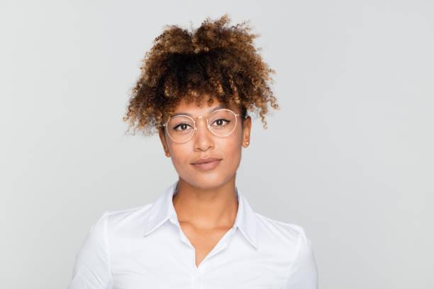 Porträt von freundlichen Afro Amercian geschäftsfrau – Foto