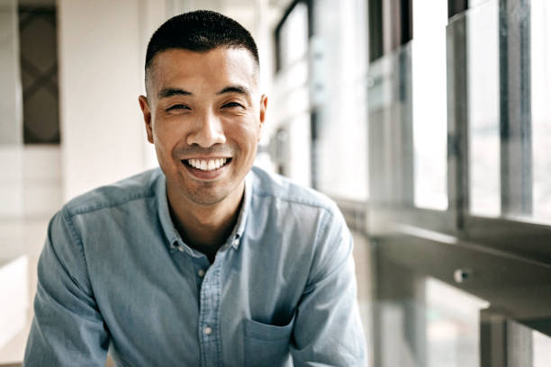 英俊的臺灣青年的肖像 - 亞洲 個照片及圖片檔