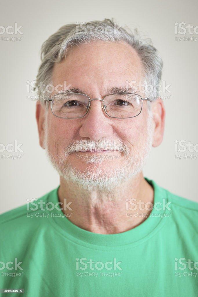 Portrait Von Glücklicher Alter Mann Mit Grauer Haare Bart Brille