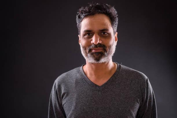 porträt der indischen mann - indische gesichtsfarben stock-fotos und bilder