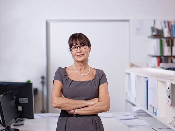 portrait of individual architect - vrouw 60 stockfoto's en -beelden